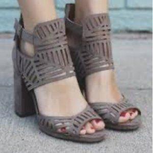Hinge Leather Cutout Bootie Heel Sandals 9 VGUC